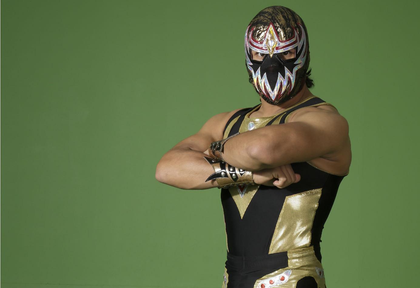 Mexicanos Mascara Dorada Y Jinzo En Torneo Wwe